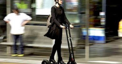 Raine – Electric scooters: The answer to commuting after lockdown?
